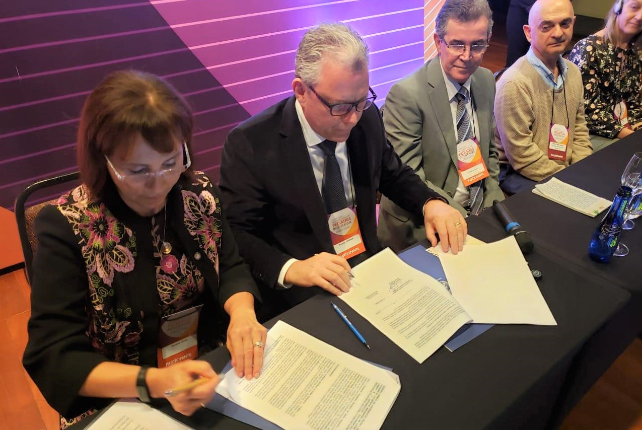 brazilian-academic-consortium-for-integrative-health-and-paho-sign-technical-cooperation-agreement